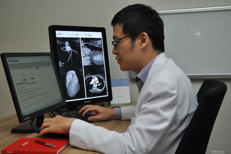 Barco Nio 5MP LED Medical Displays brighten the image in the RSPI Bintaro Jaya hospital radiology department