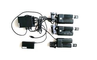 Motorization kit for projector frame