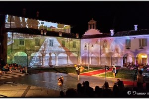 Spectacular video mapping show, courtesy of powerful Barco projector and Barco experts